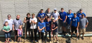 Bobcat Basketball Players Participate in Community Service Project