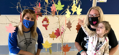 OT Team Helps Students with Thankful Tree