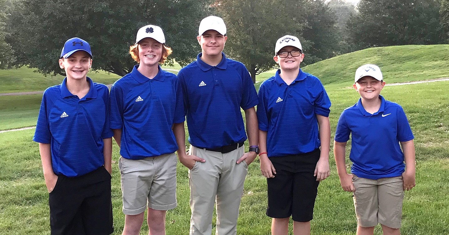 Five middle school golfers