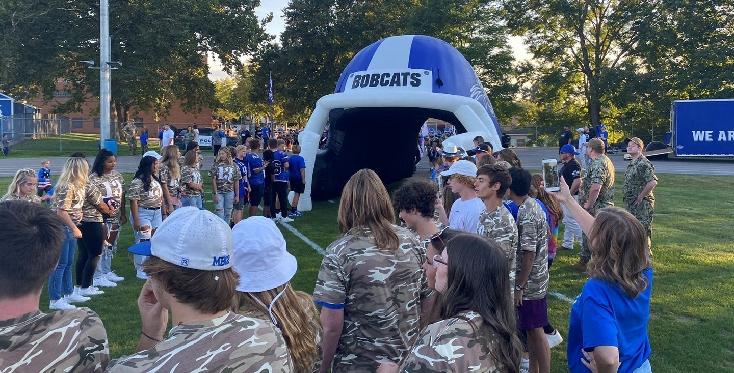 Bobcat tunnel for football game